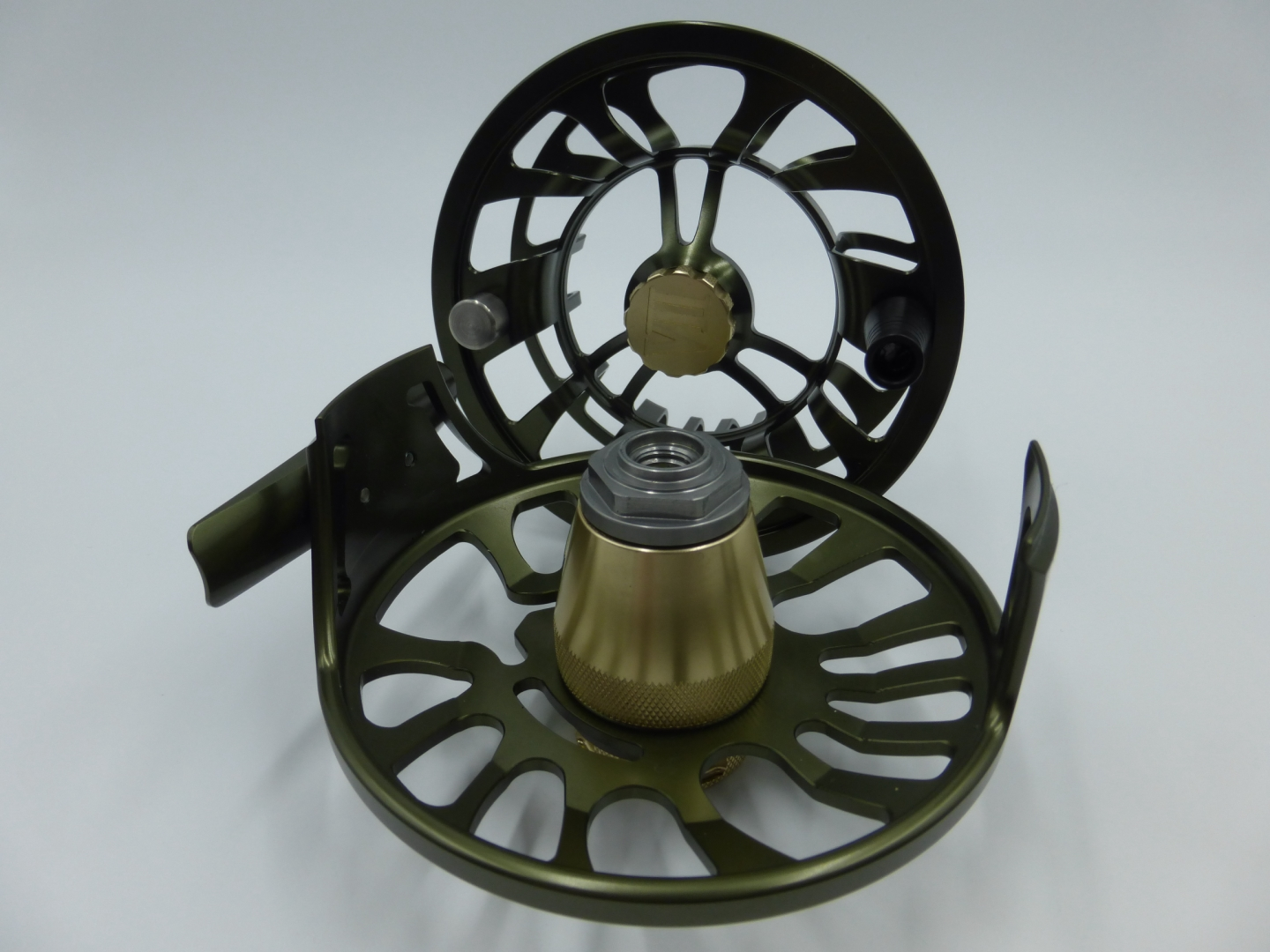 A&M 5 Serie # 5/6 Olive/Gold Fly Spare spool