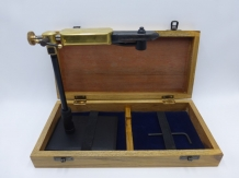 A&M Lever Vice 360 Wooden Box